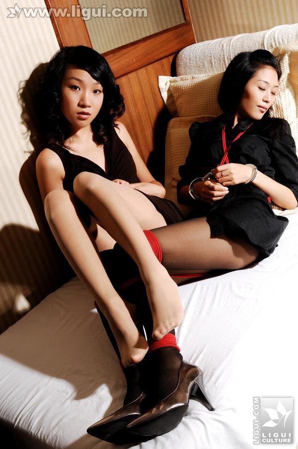 [Ligui丽柜]2009.01.09 姐姐和阿姨睡房激情捆绑掂脚尖互相调戏 Model 伊园、凯咪[40P/25.6M]
