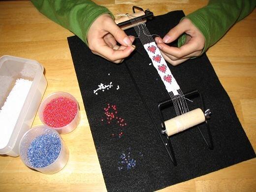 تعلم الخرز اعمال فنية باستخدام النول اعمال فنية بالخرز Learn beads 107292_f520.jpg