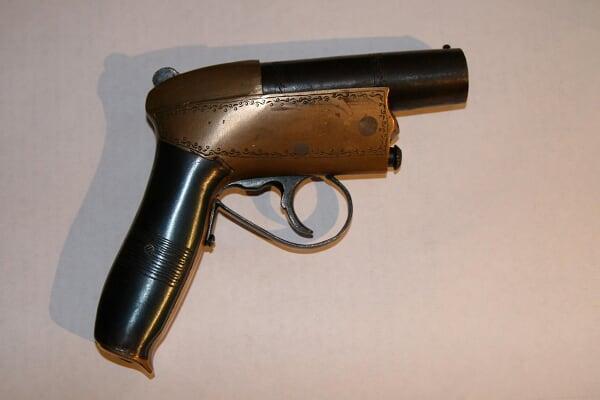 Pistolet inconu aide demandé Photo%20032a