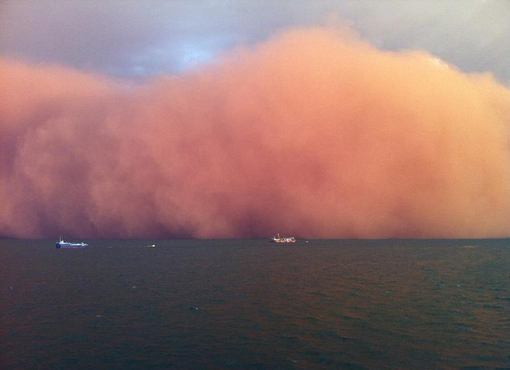 """""""tsunami de nubes"""" Tormentaarena998lbr11_6"""