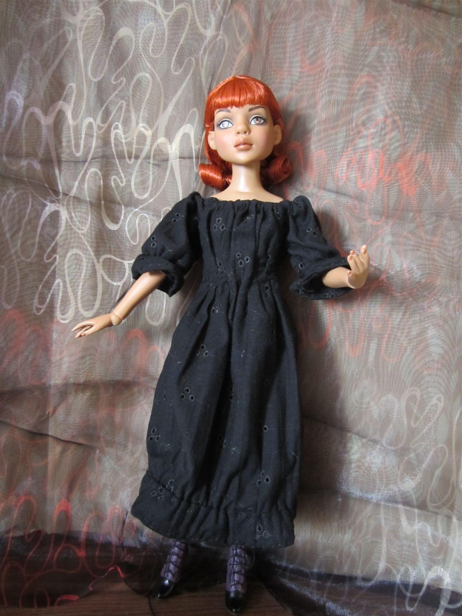 THEME DU MOIS DE NOVEMBRE 2013 : Ellowyne et sa petite robe noire 2012-05%20Lizette%2015