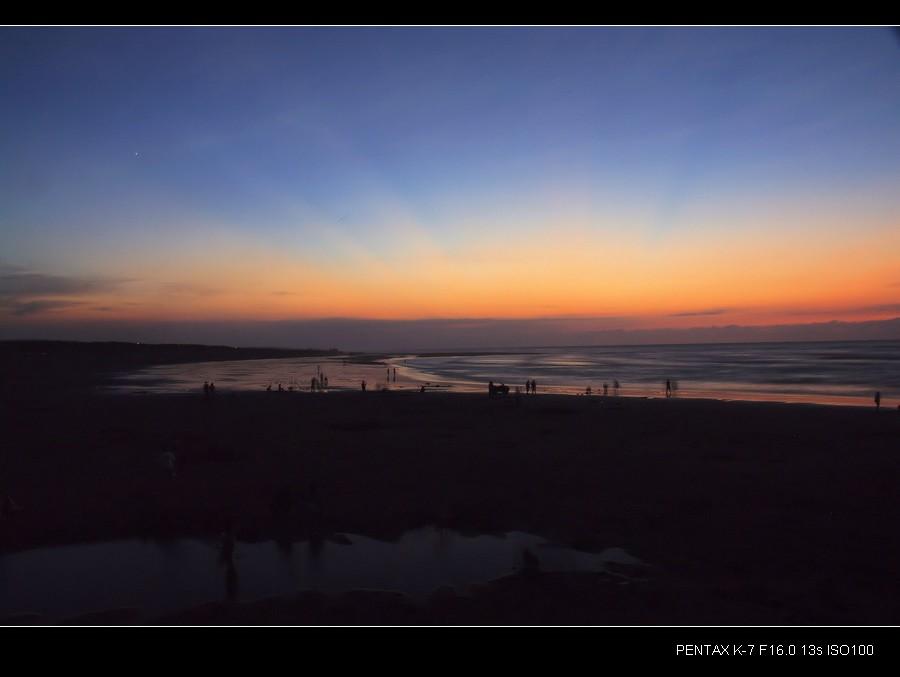 竹圍漁港衝日落