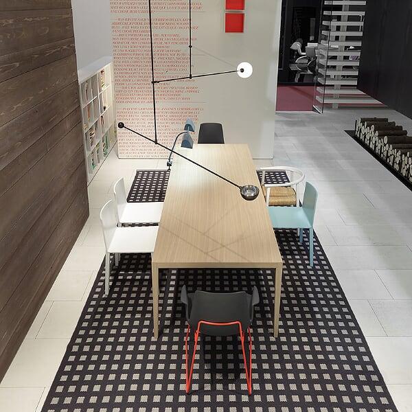 La mesa Héctor - Bruno Fattorini & Partners