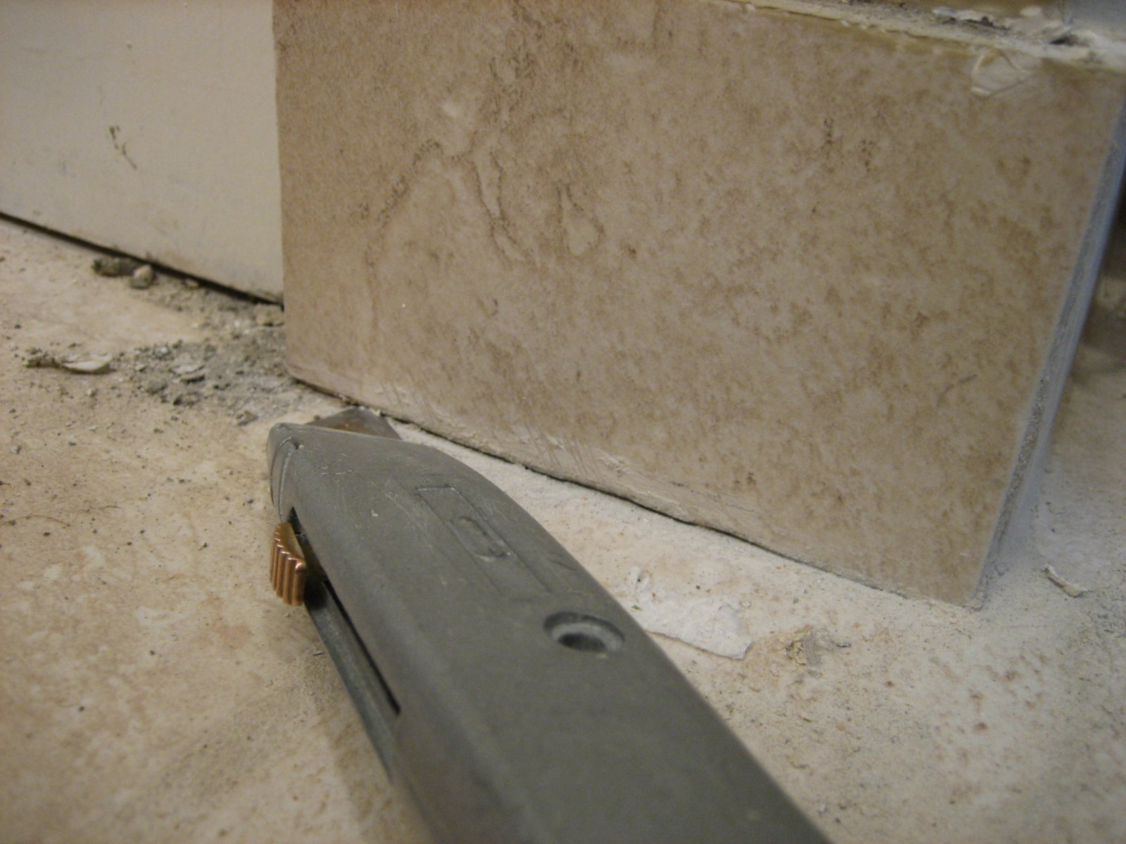How to remove floor tiles without breaking them choice image how to remove ceramic tile from concrete floor without breaking removing ceramic tiles without breaking them doublecrazyfo Gallery
