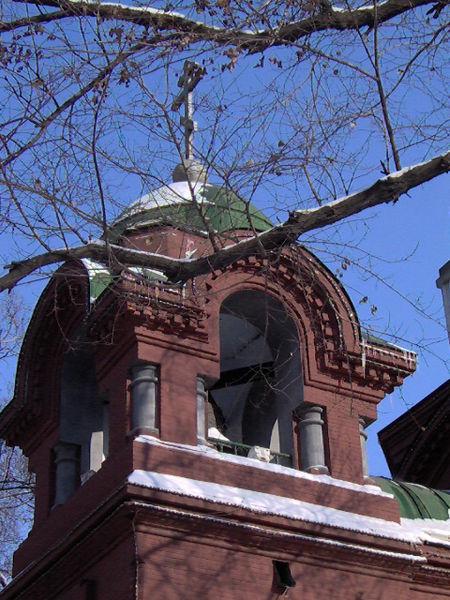 教堂顶部的钟楼