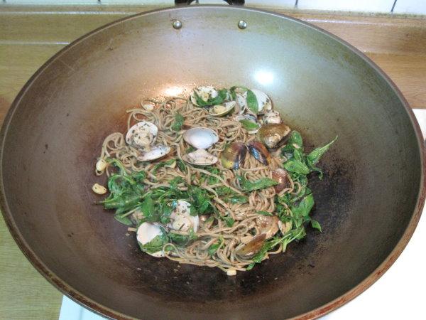 焗烤奶油蛤蜊麵