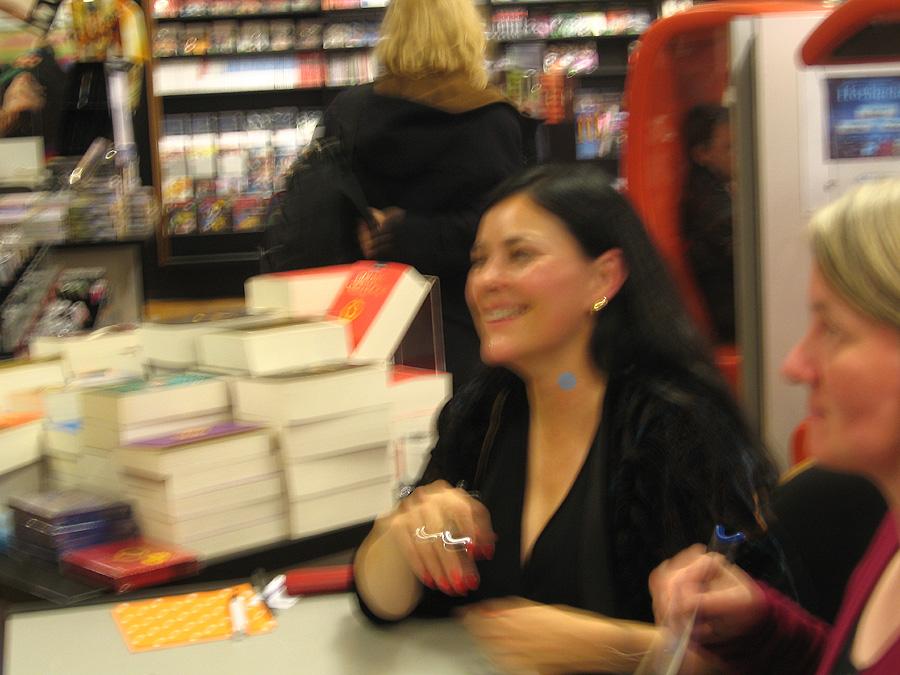 Diana Gabaldon signiert in der Mayersche Dortmund am 19.03.2010