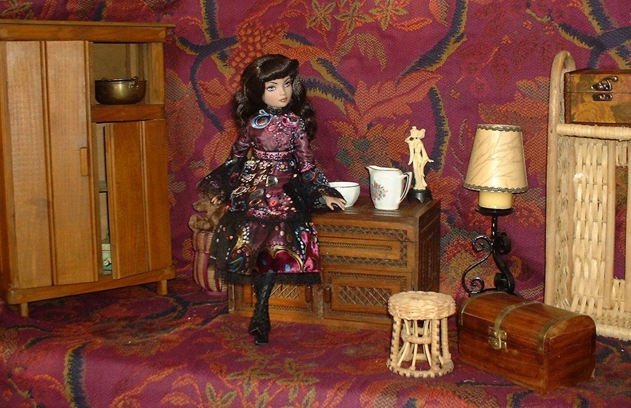 "06 - THEME PHOTO DU MOIS: Mai 2011 ""Ellowyne dans sa Maison"" - Page 2 2008-02%20Lisbeth%2012"