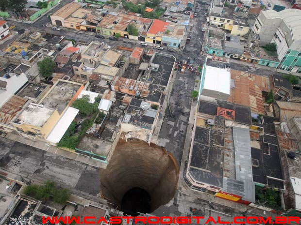 IMAGEM - Buraco na Cidade da Guatemala