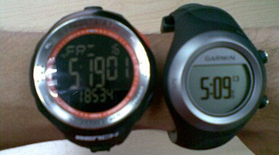 Side by side comparison between Bench Pedometer watch and GF405.