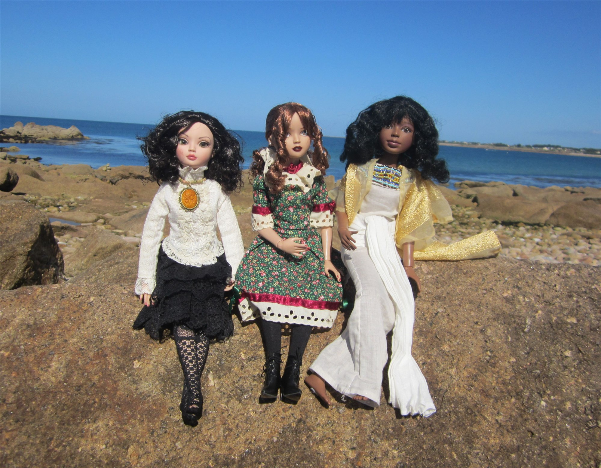 THEME DE JUILLET AOUT 2013 : ELLO et ses amies en vacances  IMG_1900