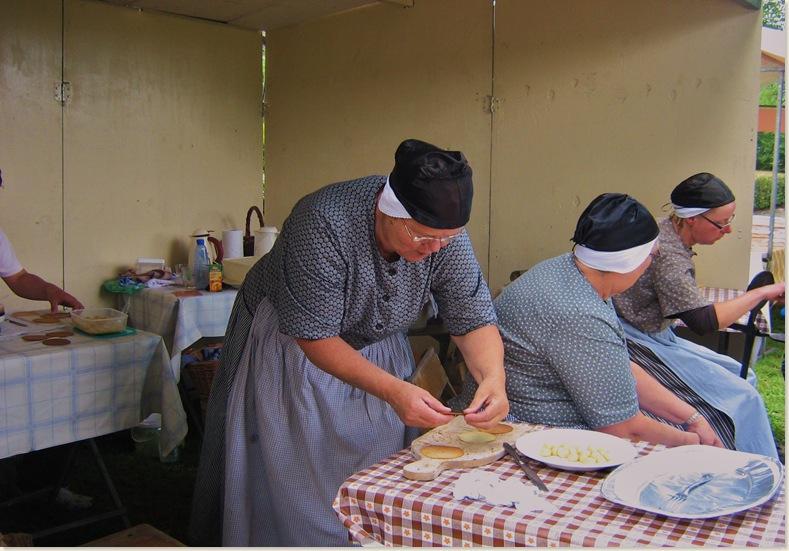 Wafels bakken, Drente III dorpsfeest Exloo, zondag 20 juli 2008