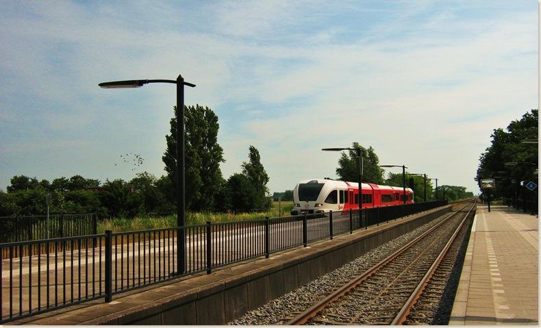 Vertrek naar Groningen het is weer druk op het station 22 juni 2008