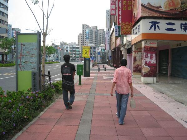 沒有人車的市街