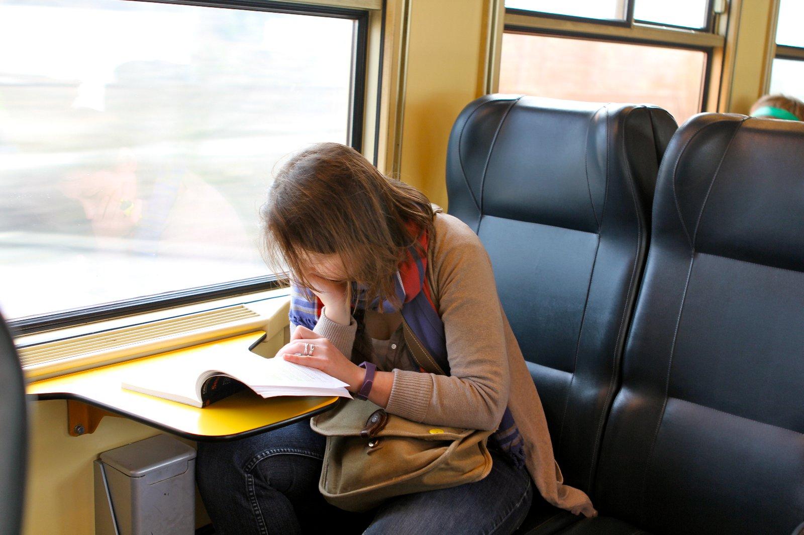 火车上的美女