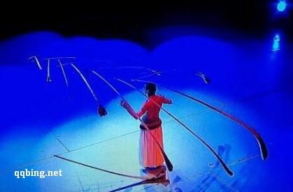 杂技 芮格罗《世界的平衡》2012湖南卫视小年晚会