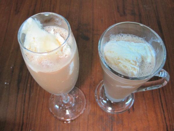 巧克力冰淇淋焦糖奶茶