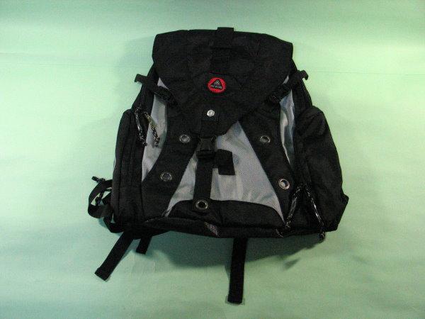 新的 Airwalk 背包