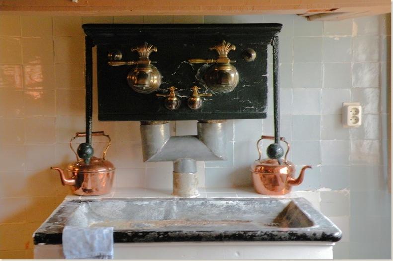 Stukje van de heel oude keuken, Fogelsangh State 7 okt. 1008