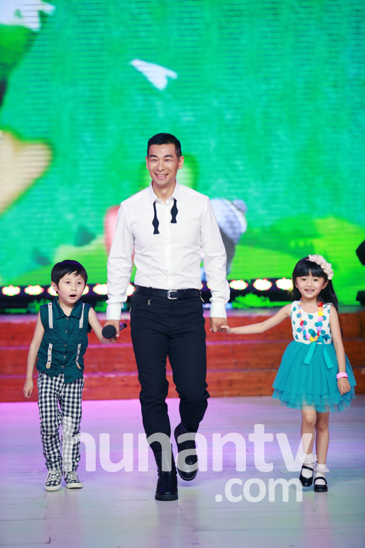 赵文卓和儿女们