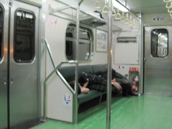 坐火車佔位