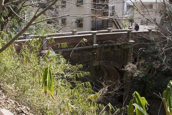 砂子橋(いさごばし) 布引谷 ...