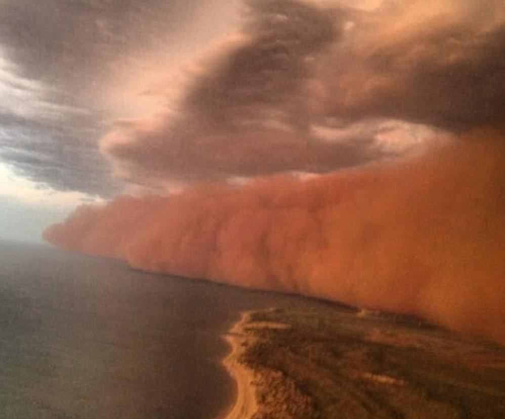 """""""tsunami de nubes"""" Tormentaarena998lbr11_7"""