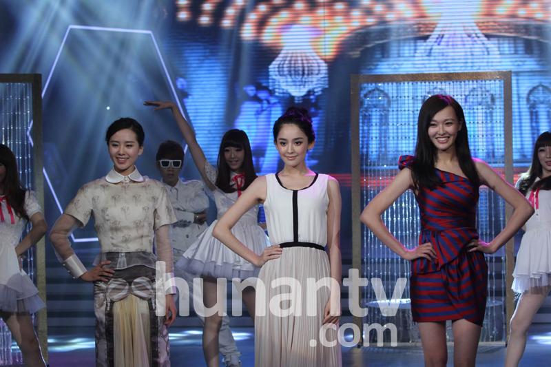 快乐大本营20120630  轩辕剑刘诗诗、唐嫣、胡歌、蒋劲夫、古力娜扎、林更新来了