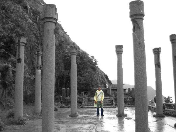 楊朝淵與黃金神社
