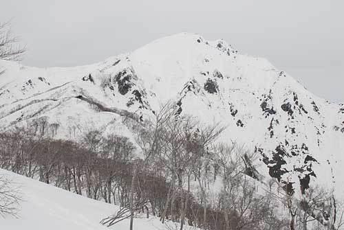 天神平スキー場から「谷川岳」